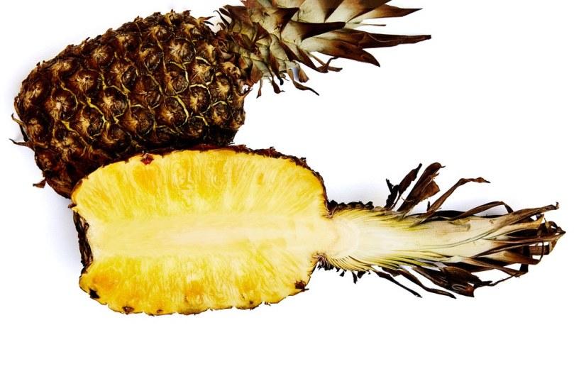 smoked-pineapple-half.jpg